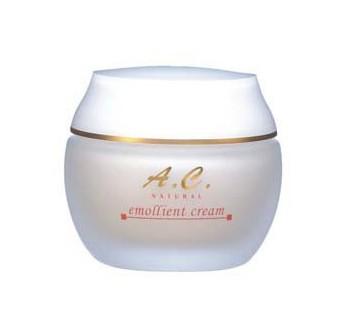KITAO COSMETICS Крем питательный для кожи лица / A.C.Natural emolient cream 50грКремы<br>Целый комплекс уникальных активных компонентов возрождают кожу. Является источником аминокислот, витаминов, микроэлементов и обладает выраженным увлажняющим и регенерирующим действием, активизирует обменные процессы в коже. Экстракты грибов дают клеткам кожи жизненную энергию, повышают содержание кислорода. Мгновенно устраняет чувство стянутости, шелушения и зуд. Препарат подходит для ухода за кожей любого типа. Активные ингредиенты (состав): вода, экстракт корня женьшеня, экстракт грибов рейши, вытяжка из гусеничного гриба экстракт пивных дрожжей, экстракт пуэрарии дольчатой, натрия гиалуронат, экстракт бифидоферментов, экстракт корня Lithospermum Erythrorhizone, гидролизированный коллаген, Керамиды 6-II. Способ применения: одну горошину препарата нанести на чистую кожу лица. Утро и/или вечер.<br>