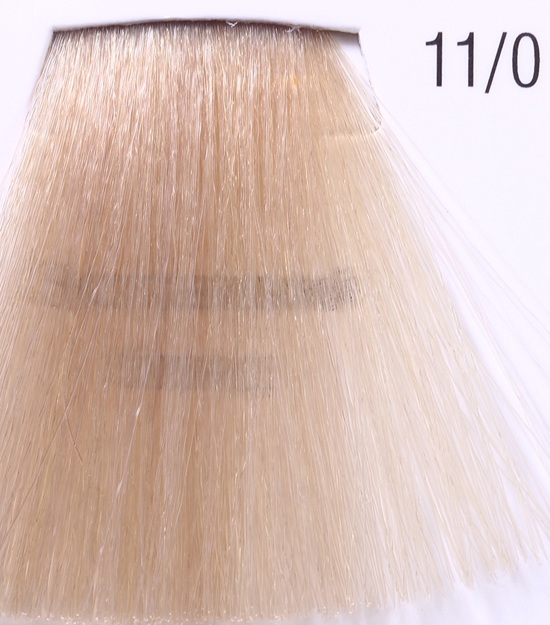 WELLA 11/0 экстраяркий блонд краска д/волос / Koleston 60млКраски<br>Крем-краска Экстра-яркий блондин от Wella разработана лучшими немецкими специалистами для придания вашим волосам глубокого насыщенного цвета и фантастического блеска. Уникальная технология Triluxiv, лежащая в основе крем-краски, дарит вашим волосам насыщенные живые оттенки, способные сохранять свою интенсивность на протяжении длительного времени, и ослепительный блеск, который на 69 процентов больше блеска необработанных волос. Входящие в состав крем-краски Велла липиды, проникая в пористую зону волос, выравнивают их структуру, делая ее более однородной и способствуя тем самым закреплению красящих пигментов. Сочетание инновационных молекул и активатора HDC способствует получению глубокого насыщенного цвета. С крем-краской от Wella ваши волосы приобретут восхитительный блеск и неповторимое сияние естественной красоты. Крем-краска сделает ваши волосы более шелковистыми и прекрасно справится с первыми признаками седины. Активный состав: Липиды, молекулы HDC, активатор HDC. Способ применения: нанесите необходимое количество специально приготовленной крем-краски Велла при помощи кисточки или аппликатора на чистые слегка влажные волосы и равномерно распределите по всей длине. Оставьте на 15-20 минут, после чего удалите остатки краски теплой водой и тщательно промойте волосы шампунем для окрашенных волос.<br><br>Цвет: Блонд<br>Объем: 60