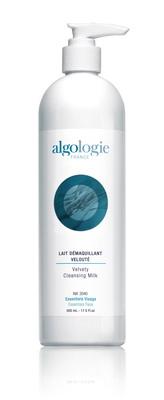 ALGOLOGIE Молочко очищающее бархатное 400млМолочко<br>После применения Lait Demaquillant Veloute от Algologie ваша кожа будет сиять свежестью и чистотой. Идеальное средство для очищения для сухой кожи.  Активные ингредиенты: Каприликовые триглицириды, экстракт фукуса, кальций, кремний, магний.  Способ применения: Применяйте ежедневно утром и вечером. Небольшое количество молочка нанесите на кожу лица и шеи, помассируйте кожу кончиками пальцев, остатки средства удалите влажным тампоном, смоченным тоником.<br>