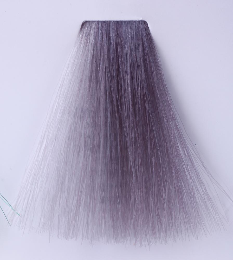 HAIR COMPANY Микстон серебряный / HAIR LIGHT CREMA COLORANTE 100млКраски<br>Hair Light Crema Colorante   профессиональный перманентный краситель для волос, содержащий в своем составе натуральные ингредиенты и в особенности эксклюзивный мультивитаминный восстанавливающий комплекс. Минимальное количество аммиака позволяет максимально бережно относится к структуре волоса во время окрашивания. Содержит в себе растительные экстракты вытяжку из арахиса, лецитин, витамин А и Е, а так же витамин С который является природным консервантом цвета. Применение исключительно активных ингредиентов и пигментов высокого качества гарантируют получение однородного, насыщенного, интенсивного и искрящегося оттенка. Великолепно дает возможность на 100% закрасить даже стекловидную седину. Наличие 6-ти микстонов, а так же нейтрального бесцветного микстона, позволяет достигать получения цветов и оттенков. Способ применения: смешать Hair Light Crema Colorante с Hair Light Emulsione Ossidante в пропорции 1:1,5. Время воздействия 30-45 мин.<br><br>Цвет: Корректоры и другие<br>Вид средства для волос: Восстанавливающий<br>Класс косметики: Профессиональная