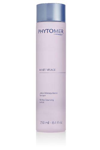 PHYTOMER Лосьон тонизир. очищающий - розовая вода / ROSEE VISAGE LOTION 250млЛосьоны<br>Не содержащий спирта лосьон обладает эффективными очищающими, тонизирующими свойствами. Оказывая освежающее и смягчающее действие, средство выполняет функции завершающего очищение этапа. Одновременно способствует активизации микроциркуляционных процессов, стимулируя обновление клеток эпидермиса. Рекомендуется для ежедневного ухода. Обладает гипоаллергенными свойствами, что позволяет использовать его для кожи с повышенной чувствительностью. Активные ингредиенты: действующие компоненты   сорения, олигомер. Вспомогательные компоненты   розовая вода. Способ применения: ватный диск смочить в средстве, обработать места, требующие демакияжа или очищения.<br><br>Объем: 250 мл<br>Вид средства для лица: Очищающий<br>Время применения: Ежедневный
