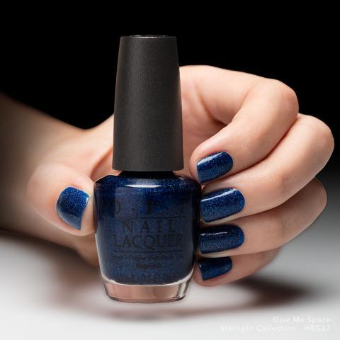 OPI Лак для ногтей Give Me Space / Starligh 15млЛаки<br>Give Me Space&amp;nbsp;- &amp;nbsp;Дайте мне пространство.&amp;nbsp;Темно-синий (шиммер).<br><br>Цвет: Синие<br>Объем: 15 мл<br>Виды лака: С блестками