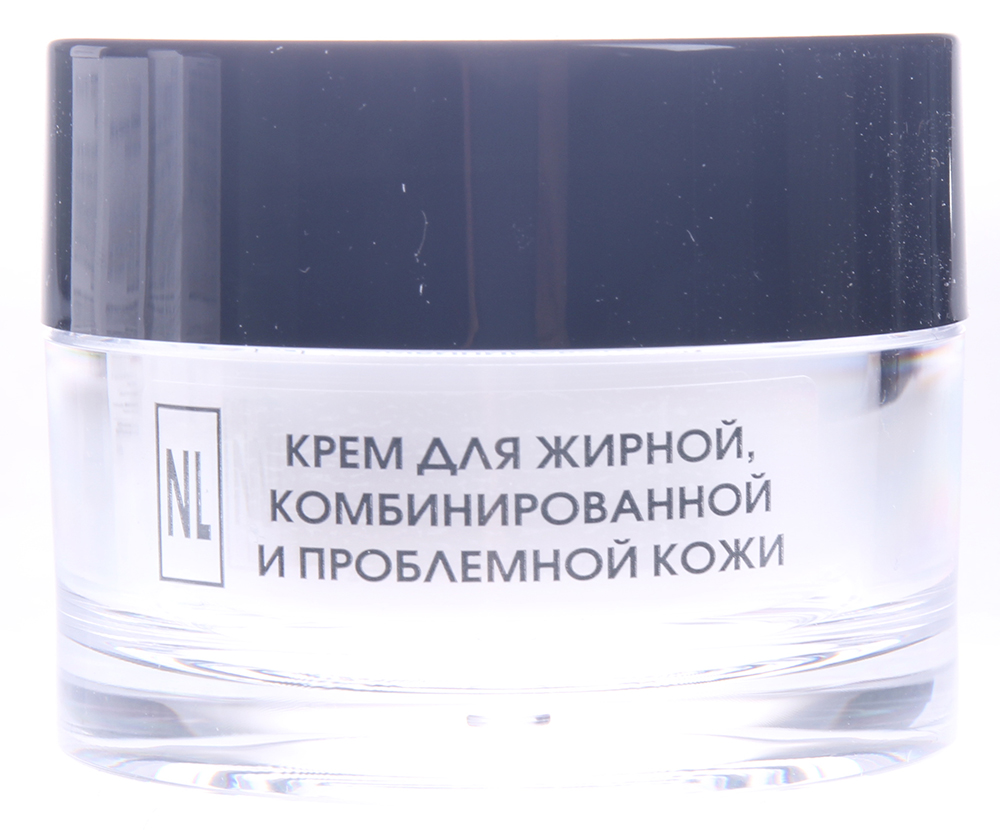 NEW LINE PROFESSIONAL Крем для жирной, комбинированной и проблемной кожи 50млКремы<br>Действие: крем предназначен для комплексного ухода за жирной, комбинированной и проблемной кожей, склонной к угревой сыпи. Активный СЕБОРЕГУЛИРУЮЩИЙ КОМПЛЕКС (биофильтрат молочных бактерий в сочетании с экстрактами подорожника, чистотела, коры дуба и производными салициловой кислоты) регулирует деятельность сальных желез, обладает поросуживающим свойством, успокаивает жирную кожу, склонную к различным видам раздражения. МОЛОЧНАЯ КИСЛОТА, АЛЛАНТОИН нормализуют кислотный баланс кожи, способствуют выравниванию микрорельефа кожи, препятствуют образованию новых воспалительных элементов, нормализуют гидробаланс кожи, улучшают цвет лица. РАСТИТЕЛЬНЫЕ МАСЛА смягчают, питают, увлажняют кожу, усиливают защитный потенциал клеток, замедляя преждевременное увядание кожи. МАТИРУЮЩИЙ КОМПОНЕНТ снимает жирный блеск, поддерживая матовый тон кожи в течение дня. Активные ингредиенты: кора дуба, чистотел, подорожник, биофильтрат молочных бактерий, аллантоин, молочная кислота, масла ши, кукурузное, матирующий компонент. Способ применения: не имеет возрастных ограничений. Небольшое количество крема нанести на чистую, увлажненную тоником или термальной водой кожу утром и/или вечером (не менее чем за 40 мин до сна). Легкими похлопывающими движениями пальцев добиться полного впитывания. При комбинированной коже наносить только на участки с повышенным салоотделением. Противопоказания: индивидуальная непереносимость компонентов.<br><br>Вид средства для лица: Матирующий<br>Назначение: Жирный блеск