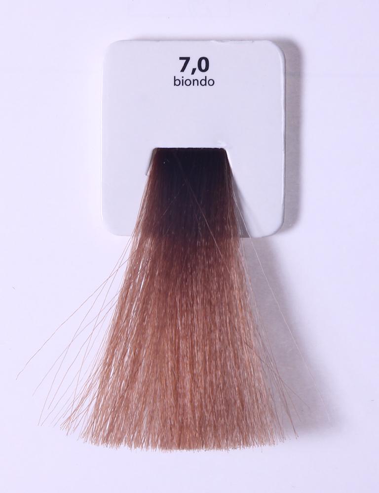 KAARAL 7.0 краска для волос / Sense COLOURS 100млКраски<br>7.0 блондин Перманентные красители. Классический перманентный краситель бизнес класса. Обладает высокой покрывающей способностью. Содержит алоэ вера, оказывающее мощное увлажняющее действие, кокосовое масло для дополнительной защиты волос и кожи головы от агрессивного воздействия химических агентов красителя и провитамин В5 для поддержания внутренней структуры волоса. При соблюдении правильной технологии окрашивания гарантировано 100% окрашивание седых волос. Палитра включает 93 классических оттенка. Способ применения: Приготовление: смешивается с окислителем OXI Plus 6, 10, 20, 30 или 40 Vol в пропорции 1:1 (60 г красителя + 60 г окислителя). Суперосветляющие оттенки смешиваются с окислителями OXI Plus 40 Vol в пропорции 1:2. Для тонирования волос краситель используется с окислителем OXI Plus 6Vol в различных пропорциях в зависимости от желаемого результата. Нанесение: провести тест на чувствительность. Для предотвращения окрашивания кожи при работе с темными оттенками перед нанесением красителя обработать краевую линию роста волос защитным кремом Вaco. ПЕРВИЧНОЕ ОКРАШИВАНИЕ Нанести краситель сначала по длине волос и на кончики, отступив 1-2 см от прикорневой части волос, затем нанести состав на прикорневую часть. ВТОРИЧНОЕ ОКРАШИВАНИЕ Нанести состав сначала на прикорневую часть волос. Затем для обновления цвета ранее окрашенных волос нанести безаммиачный краситель Easy Soft. Время выдержки: 35 минут. Корректоры Sense. Используются для коррекции цвета, усиления яркости оттенков, создания новых цветовых нюансов, а также для нейтрализации нежелательных оттенков по законам хроматического круга. Содержат аммиак и могут использоваться самостоятельно. Оттенки: T-AG - серебристо-серый, T-M - фиолетовый, T-B - синий, T-RO - красный, T-D - золотистый, 0.00 - нейтральный. Способ применения: для усиления или коррекции цвета волос от 2 до 6 уровней цвета корректоры добавляются в краситель по Правилу пятнадцати: от прав
