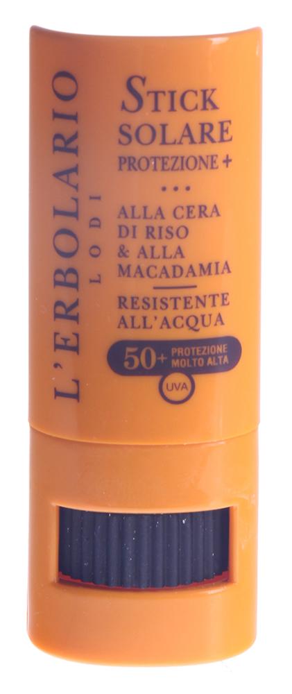 LERBOLARIO Карандаш солнцезащитный для лица, с рисовым воском и макадамией 50+Карандаши<br>Очень высокий уровень защиты от УФА СЗФ 50+ Мягкое и невидимое на коже солнцезащитное средство с очень высокой степенью защиты. Оно предназначено для защиты самых чувствительных участков тела, таких как нос, веки, уши и грудь, а также для решения индивидуальных или случайно возникших проблем, таких как первые признаки розовых угрей, сосудистая сеточка, покраснения, чувствительность кожи и т.д. После нанесения не оставляет белых полос или разводов. Ваша кожа становится матовой, необыкновенно бархатистой и защищенной. Активные ингредиенты: масло макадамии, рисовый воск, гамма оризанол из отрубей риса, витамин Е ацетат, водоросль Кораллина лечебная. Способ применения: проведите карандашом по тем местам, которые Вы хотите защитить от солнца, не забывая повторить операцию после купания, или если Вы сильно потеете. Следите за тем, чтобы карандаш не перегревался и не замерзал. В случае перегрева карандаш становится слишком мягким, а на холоде карандаш затвердевает. В обоих случаях использование карандаша становится менее приятным.<br>