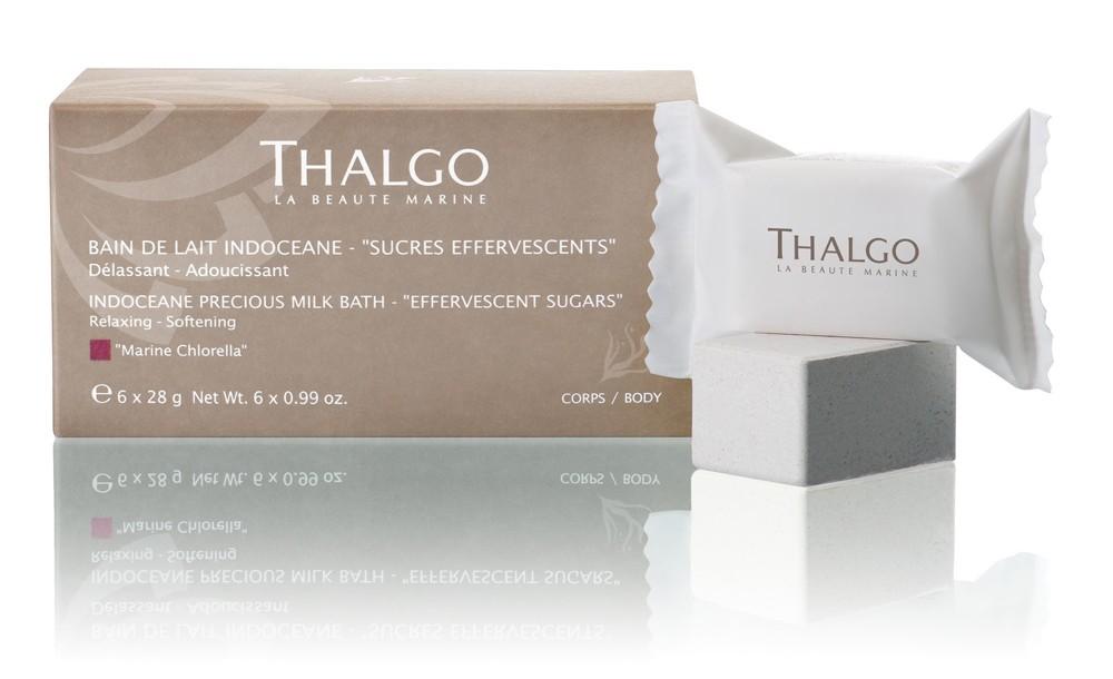 THALGO Ванна молочная Шипучий Сахарный Порошок Индосеан / Indoceane Precious Milk Bath 6*28гПена для ванны<br>Инновационная формула, которая позволяет сахару с шипением раствориться в воде, превращая ее в молочно-ароматную ванну. Обладает сладким пудровым ароматом. Способствует релаксации. После ванны тело словно покрыто легкой сияющей вуалью. Активные ингредиенты (состав): Sodium Bicarbonate, Citric Acid, CI 77891 (Titanium Dioxide), Monosodium Citrate, PEG-150, Sucrose, Maltodextrin, Parfum (Fragrance), Talc, Hydrated Silica [nano], Silybum Marianum Seed Oil, Algae Extract, Benzyl Benzoate, Benzyl Salicylate, Coumarin, Hexyl Cinnamal, Benzyl Alcohol, Limonene, Linalool, Alpha-Isomethyl Ionone. Способ применения: поместите сахарную таблетку в воду с температурой 37 C и дождитесь ее полного растворения. Погрузитесь в расслабляющую молочную ванну и насладитесь магической силой ритуала - божественное наслаждение с пряными нотами.<br><br>Вид средства для тела: Сахарный