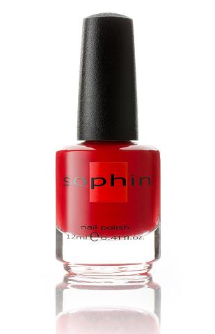SOPHIN Лак для ногтей, насыщенный красный с теплым подтоном 12млЛаки<br>Коллекция лаков SOPHIN очень разнообразна и соответствует современным веяньям моды. Огромное количество цветов и оттенков дает возможность создать законченный образ на любой вкус. Удобный колпачок не скользит в руках, что облегчает и позволяет контролировать процесс нанесения лака. Флакон очень эргономичен, лак легко стекает по стенкам сосуда во внутреннюю чашу, что позволяет расходовать его полностью. И что самое главное - форма флакона позволяет сохранять однородность лаков с блестками, глиттером, перламутром. Кисть средней жесткости из натурального волоса обеспечивает легкое, ровное и гладкое нанесение. Big5free! Активные ингредиенты. Состав: ethyl acetate, butyl acetate, nitrocellulose, acetyl tributyl citrate, isopropyl alcohol, adipic acid/neopentyl glycol/trimellitic anhydride copolymer, stearalkonium bentonite, n-butyl alcohol, styrene/acrylates copolymer, silica, benzophenone-1, trimethylpentanedyl dibenzoate, polyvinyl butyral.<br><br>Цвет: Красные