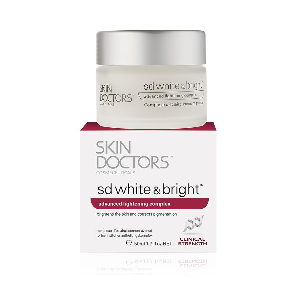 SKIN DOCTORS Крем отбеливающий SD White &amp; Bright 50млКремы<br>SD White &amp;amp; Bright это прорывной комплекс в осветлении и отбеливании кожи, крем двойного назначения, он действует на уже имеющеюся пигментацию и помогает предотвратить ее появление. Содержит эффективные ингредиенты с клинически-подтвержденными результатами, чтобы помочь получить вам чистый и светлый цвет лица. Основные направление: • Общее осветление цвета лица • Уменьшение видимости пятен кожи • Уменьшение видимости гиперпигментации • Осветление тона кожи • Более равномерный цвет лица • Уменьшение внешнего вида неровностей кожи, таких как пигментные пятна и веснушки Содержит оптимальный уровень эталонного ингредиента в отбеливания кожи и коррекции пигментации, ?-White ™. ?-White ™ оказывает существенное влияние на синтез меланина, из-за которого образовывается пигментация кожи, и, как доказано значительно осветляет темные тона кожи. Результаты: более светлый вид кожи, видимое уменьшение пигментации, веснушек, пигментных пятен и поверхностных дефектов. Skin Doctors SD White &amp;amp; Bright™ также помогает сделать вашу кожу более упругой и увлажнить ее, и имеет дополнительное преимущество фильтров UVA. Пожалуйста, используйте SPF 30 вместе с SD White &amp;amp; Bright™, чтобы предотвратить дальнейшее повреждение кожи и защитить вашу кожу от суровых солнечных лучей. Активные ингредиенты. Состав: Water (Aqua), Butylene Glycol, Ethylhexyl Methoxycinnamate, C12-15 Alkyl Benzoate, Sorbitan Stearate, Dimethicone, Hydroxyethyl Acrylate /Sodium Acryloyldimethyl Taurate Copolymer, Ceteareth-20, Squalane, Butyl Methoxydibenzoylmethane, Hydrogenated Lecithin, Oligopeptide-68, Sodium Oleate, Disodium EDTA, Cetyl Alcohol, Polysorbate 60, Caprylyl Glycol, Tocopheryl Acetate, Cyclopentasiloxane, Cyclohexasiloxane, Phenoxyethanol, Sodium Hydroxide, Fragrance (Parfum), Citronellol, Hexyl Cinnamal, Linalool, Butylphenyl Methylpropional. Способ применения: для использования на лице и теле, нежно нанесите небольшое