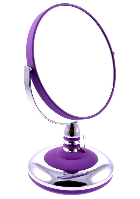 WEISEN Зеркало настольное круглое 2х стороннее 15 см / B66699A STDP/CЗеркала<br>Зеркало косметическое, настольное, двустороннее. Изготовлено из хромированного металла и пластмассы покрытой цветным лаком. Тончайшее высококачественное стекло, используемое при изготовлении (1,5 мм), не даёт искривлений зеркальной поверхности. Увеличение в 5 раз. Приятный, красивый подарок для любой женщины. Высота: 25 см. Диаметр: 15 см. Увеличение: 5-ти кратное Материал (состав): пластик, резина, металл, резиновое покрытие Цвет: фиолетовый Особенности: двухстороннее Способ применения: используется как настольное зеркало.<br>