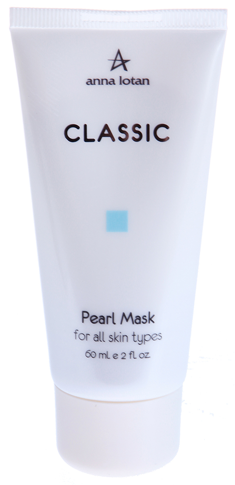 ANNA LOTAN Маска Жемчужная / Pearl Mask CLASSIC 60млМаски<br>Классическая маска красоты с экзотической добавкой - порошком натурального японского жемчуга, который всегда использовался японками для достижения идеального цвета лица. Подходит для всех типов кожи, особенно сухой и нормальной. Действие: Глубоко очищает кожную поверхность, обладает абсорбирующими свойствами, эффективно впитывает выделения сальных желез и очищает поры. Успокаивает и осветляет кожную поверхность, оказывает ранозаживляющее, регенерирующее действие. Кожа выглядит сияющей, как бы подсвеченной изнутри. Обладает лифтинговым эффектом, улучшает микроциркуляцию, оказывает антиоксидантное действие. Придает коже здоровый вид, свежесть, чувство комфорта. Активные ингредиенты: экстракт центеллы азиатской, коалин, экстракт литоспермума, порошок жемчужный, витамины, А и Е, экстракт водорослей. Способ применения: Нанести маску толстым слоем на лицо. Через 15-20 минут смыть влажными спонжами.<br><br>Вид средства для лица: Восстанавливающий