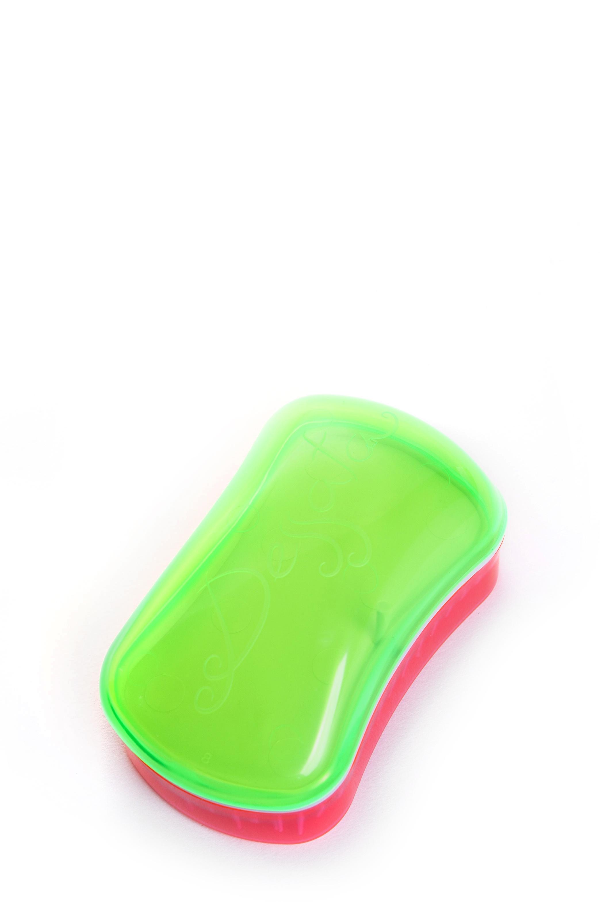 DESSATA Расческа для волос Dessata Mini Summer Lime-Fuchsia; с ароматом кокоса, Лайм-ФуксияРасчески<br>Расческа Dessata mini с ароматом кокоса быстро распутает волосы, нет необходимости использовать дополнительные средства. Не тянет и не рвет волосы. Подходит для всех типов волос: тонких, густых и вьющихся. 237 зубчика имеют три уровня высоты, что позволяет лучше прочесывать волосы, а если возникает натяжение, они легко сгибаются. Эргономичный дизайн расчески без ручки, позволяет удобно разместить ее в руке, ее форма повторяет форму головы. Благодаря соему идеальному размеру расческу можно везде носить с собой. Материал: гипоаллергенный пластик.<br><br>Типы волос: Для всех типов