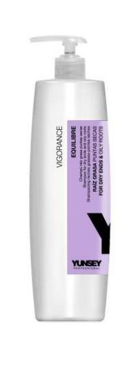 YUNSEY PROFESSIONAL Шампунь для сухих кончиков и жирных корней / SHAMPOO FOR DRY ENDS - OILY ROOTS 250mlШампуни<br>Мягкий шампунь, очищающий кожу головы и увлажняющий волокно волоса, делает волосы мягкими и послушными. Сочетание экстракта гренадина и мультивитаминного комплекса эффективно действует против избытка кожного сала. Cодержит натуральный бетаин, который увлажняет волосы изнутри, увеличивая их гибкость и эластичность и защищая от ломкости. Способ применения: наносить на влажные волосы, мягко массировать 2 3 минуты. Оставить на волосах на несколько минут. Хорошо промыть.<br><br>Объем: 250 мл<br>Тип кожи головы: Жирная<br>Типы волос: Ломкие