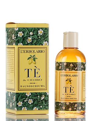 LERBOLARIO Пена для ванны Чай и цитрон 250 млПена для ванны<br>Кремообразная пена для ванн приятного янтарного цвета насыщена бесценным экстрактом Зеленого Чая. Благодаря сбалансированному действию поверхностно-активных веществ, полученных из Кокоса, Пшеницы и глюкозы, подходит для всех типов кожи, мягко очищает, не нарушая гидролипидный баланс эпидермиса. Добавленная непосредственно в воду либо нанесенная на мочалку и распределенная массирующими движениями по всему телу, пена подарит Вам минуты удовольствия, наполнит жизненной энергией, а неповторимый аромат Чая и Цитрона будет сопровождать Вас весь день.  Активные ингредиенты: Экстракт Зеленого Чая, протеины пшеницы (Triticum vulgare), экстракт Цитрона.  Способ применения: Для образования обильной и нежной пены добавьте 2-3 ложки средства в ванну или прямо на мочалку, если предпочитаете принимать душ.<br>