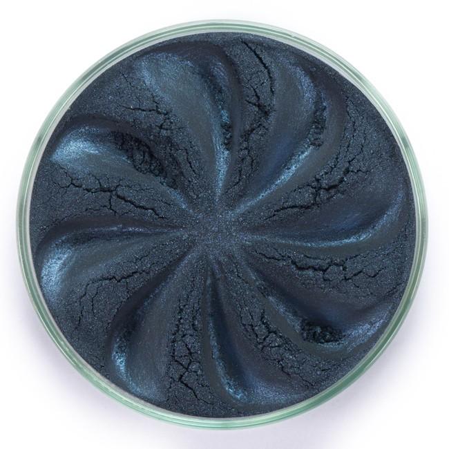 ERA MINERALS Тени минеральные J36 / Mineral Eyeshadow, Jewel 1 грТени<br>Тени для век Jewel обеспечивают комплексное покрытие, своим сиянием напоминающее как глубину, так и лучезарный блеск драгоценного камня. Текстура теней содержит в себе цвет-основу с содержанием крошечных мерцающих частиц, превосходно сочетающихся с основным цветом. Сильные и яркие минеральные пигменты&amp;nbsp; Можно наносить как влажным, так и сухим способом&amp;nbsp; Без отдушек и содержания масел, для всех типов кожи&amp;nbsp; Дерматологически протестировано, не аллергенно&amp;nbsp; Не тестировано на животных&amp;nbsp; Активные ингредиенты: слюда, нитрид бора, миристат магния, диоксид кремния, алюмоборосиликат. Может содержать: стеарат магния, кармин, каолин, ультрамарин, зеленый оксид хрома, берлинская лазурь, оксиды железа, фиолетовый марганец, оксид титана, диоксид титана. Способ применения: Поместите небольшое количество минеральных теней в крышку от контейнера или на палитру для косметики.&amp;nbsp; Наберите средство, используя одну из наших кистей для бровей и ресниц.&amp;nbsp; Чтобы избежать осыпания, не набирайте на кисть слишком большое количество теней.&amp;nbsp; Нанесите тени четкими короткими штрихами, заполняя редкие зоны линии бровей.&amp;nbsp; Наносите тени в обратную от роста волос сторону, затем пригладьте по направлению роста волос.&amp;nbsp; Для получения четкой тонкой линии наносите влажной кистью, а для мягкого эффекта - сухой.&amp;nbsp; Если вы используете пробные образцы, будет удобный, если насыпать небольшое количество минеральных теней на палитру для косметики или небольшую тарелочку, чтобы было проще заполнить ворсинки кисти.<br><br>Объем: 1 гр
