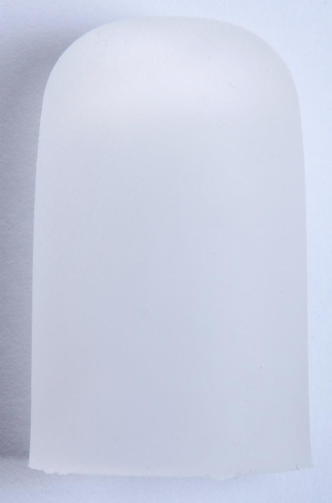 GEHWOL Гель-колпачок на палец G, средний 1штОртопедические приспособления<br>Гель-колпачки G защищают кожу при раздражении между пальцев ног.  Колпачки выполнены из гибкого, гелевого материала, с внутренней стороны - трикотажная, эластичная ткань.  Высоко эластичные колпачки используются при трещинах на кончиках или подушечках пальцев, а так же при проблемах с ногтями.  Рекомендуется применять колпачки для защиты от давления на кончик пальца при вросшем ногте.  Гель-Колпачки надежно защищают кожу при возникновении мозолей на пальцах ног.  Способ применения: Разместить между пальцами стоп в проблемных местах.<br>
