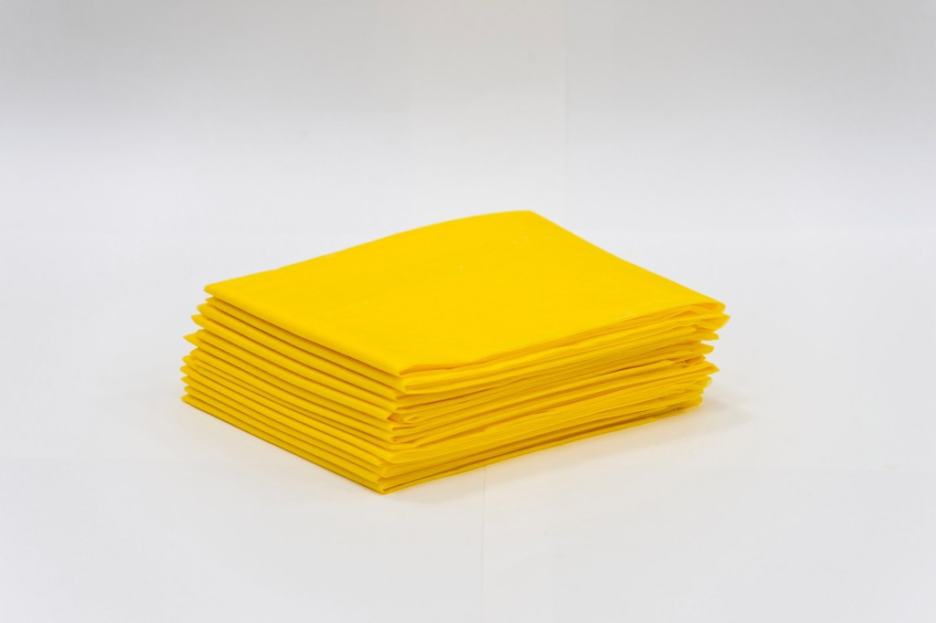ЧИСТОВЬЕ Простыня SMS 200 х 80 см желтый Стандарт 20 шт/уп