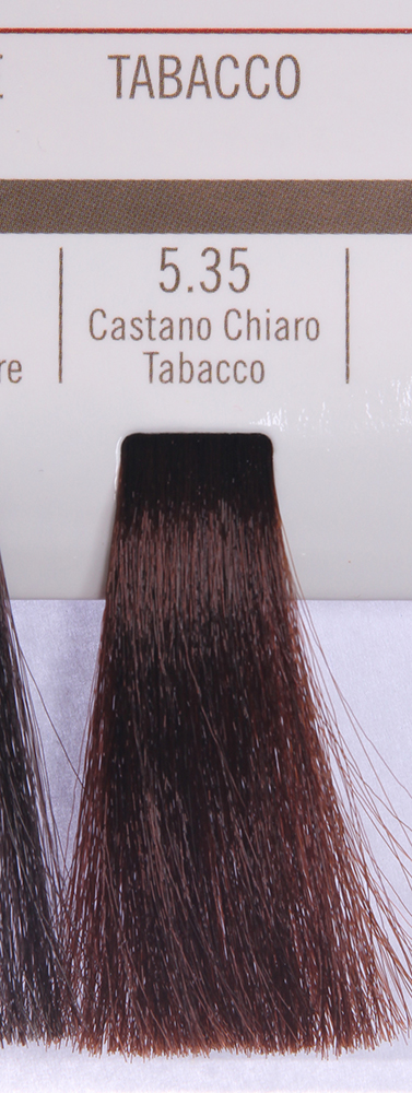 BAREX 5.35 краска для волос / PERMESSE 100млКраски<br>Оттенок: Светлый каштан табачный. Профессиональная крем-краска Permesse отличается низким содержанием аммиака - от 1 до 1,5%. Обеспечивает блестящий и натуральный косметический цвет, 100% покрытие седых волос, идеальное осветление, стойкость и насыщенность цвета до следующего окрашивания. Комплекс сертифицированных органических пептидов M4, входящих в состав, действует с момента нанесения, увлажняя волосы, придавая им прочность и защиту. Пептиды избирательно оседают в самых поврежденных участках волоса, восстанавливая и защищая их. Масло карите оказывает смягчающее и успокаивающее действие. Комплекс пептидов и масло карите стимулируют проникновение пигментов вглубь структуры волоса, придавая им здоровый вид, блеск и долговечность косметическому цвету. Активные ингредиенты:&amp;nbsp;Сертифицированные органические пептиды М4 - пептиды овса, бразильского ореха, сои и пшеницы, объединенные в полифункциональный комплекс, придающий прочность окрашенным волосам, увлажняющий и защищающий их. Сертифицированное органическое масло карите (масло ши) - богато жирными кислотами, экстрагируется из ореха африканского дерева карите. Оказывает смягчающий и целебный эффект на кожу и волосы, широко применяется в косметической индустрии. Масло карите защищает волосы от неблагоприятного воздействия внешней среды, интенсивно увлажняет кожу и волосы, т.к. обладает высокой степенью абсорбции, не забивает поры. Способ применения:&amp;nbsp;Крем-краска готовится в смеси с Молочком-оксигентом Permesse 10/20/30/40 объемов в соотношении 1:1 (например, 50 мл крем-краски + 50 мл молочка-оксигента). Молочко-оксигент работает в сочетании с крем-краской и гарантирует идеальное проявление краски. Тюбик крем-краски Permesse содержит 100 мл продукта, количество, достаточное для 2 полных нанесений. Всегда надевайте подходящие специальные перчатки перед подготовкой и нанесением краски. Подготавливайте смесь крем-краски и молочка-оксигента Permesse в нем