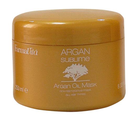 FARMAVITA Маска с аргановым маслом / ARGAN Sublime 250 млМаски<br>Маска, обогащенная аргановым маслом, с экзотическим ароматом и золотистой кремовой текстурой. Специально разработана для интенсивного питания волос, придания им объема, мягкости и блеска. Идеально подходит для всех типов волос. Способ применения:&amp;nbsp;после использования Argan Sublime Shampoo, щедро нанести на влажные волосы, равномерно распределить и оставить на волосах на 3-5 минут. После тщательно смыть. Активные ингредиенты:&amp;nbsp;cледуя традициям и используя древнюю формулу, маска питает волосы, делая их мягкими, блестящими, шелковистыми благодаря идеальному подбору активных ингредиентов и драгоценных кристаллов слюды.<br><br>Объем: 250 мл
