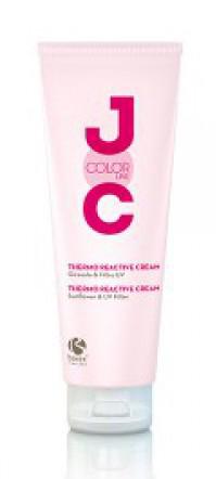 BAREX Крем термо-защитный / JOC COLOR LINE Thermo Reactive Cream 250млКремы<br>Крем термо-защитный - Thermo Reactive Cream, компании BAREX   это средство, которое позволяет защитить волосы до окрашивания и после него. Крем насыщен кератиновым комплексом, поэтому после использования волосы становятся блестящими и ухоженными, а цвет волос - насыщенным и сохраняется дольше. Термо-защитный крем - новинка компании BAREX. Он позволяет волосам восстанавливать структуру, интенсивно питает волосы и подчеркивает цвет волос. Хорошо восстанавливает, сильно повреждение химической завивкой волосы. Конечный результат: после использования крема волосы становятся здоровыми и сияют жизненной энергией, пропадает ломкость и появляется эластичность. Волосы не выгорают и легко расчесываются. Благодаря активным компонентам, волосы становятся крепкими и исчезают посеченные кончики. Появляется гладкость и красота, волосы блестят здоровым и красивым блеском. Активные ингредиенты: в состав крема входит комплекс термической активации, который оказывает эффект кондиционирования под действием тепла. Он останавливает процесс окисления краски и стимулирует восстанавливающую работу протеинов растений, а также защищает волосы по всей длине, препятствует образованию секущихся кончиков. Экстракт подсолнуха интенсивно препятствует окислению краски, и она становится более яркой на волосах. Фильтры от солнца помогают волосам не выгорать и не обезвоживаться, а краске - не окисляться. В результате применения крема улучшается процесс расчесывания и снимается статическое электричество. Способ применения: нанести равномерно на чистые влажные волосы. Оставить на несколько минут. Для достижения максимального результата рекомендуется использовать источник тепла, чтобы активировать действие крема. Использование тепла заметно усилит действие крема. Тщательно смыть водой. Использовать в сочетании с ШАМПУНЕМ  СТОЙКОСТЬ ЦВЕТА .<br><br>Объем: 250 мл<br>Вид средства для волос: Восстанавливающий<br>Назначение: Секущиеся