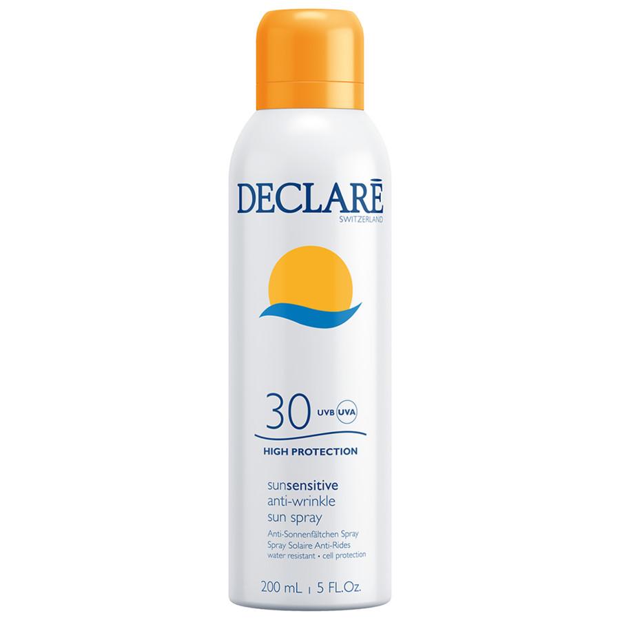 DECLARE Спрей солнцезащитный с омолаживающим действием SPF 25 / Anti-Wrinkle Sun Spray 200млСпреи<br>УНИКАЛЬНОЕ ДЕЙСТВИЕ СРЕДСТВ СОЛНЦЕЗАЩИТНОЙ ЛИНИИ SUNSENSITIVE:   Эффективно защищают кожу от солнечных ожогов.   Интенсивно увлажняют склонную к сухости или обезвоженную кожу, возвращая ей приятную гладкость и шелковистость.   Способствуют быстрому восстановлению кожи, подверженной активной инсоляции.   Активно предупреждают преждевременное старение кожи, способствуют уменьшению морщин, блокируют процесс фотостарения.   Предупреждают образование пигментных пятен и способствуют появлению равномерного, стойкого загара.   Обладают термо- и водостойкостью.   Не характеризуются липкостью, что делает солнцезащитные средства DECLAR  особенно приятными и комфортными в применении. Активные ингредиенты: Фитостерил Рапса,Витамин Е,Бисаболол,солнцезащитные фильтры. Способ применения: солнцезащитное средство следует наносить незадолго до выхода на солнце. Необходимо равномерно распределить средство по коже. Не смывать! После длительного пребывания в воде (более 15 минут) нанести повторно. ВАЖНО!   Избегайте активного полуденного солнца с 12.00 до 16.00!   Обязательно защищайте детей от солнечных лучей с помощью одежды и солнцезащитных кремов с высоким фактором защиты (SPF выше 25)!   Подбирайте солнцезащитное средство в зависимости от фототипа Вашей кожи!   И помните: ни одно солнцезащитное средство с высоким фактором защиты не может защитить кожу на 100%!<br><br>Объем: 200 мл<br>Назначение: Старение