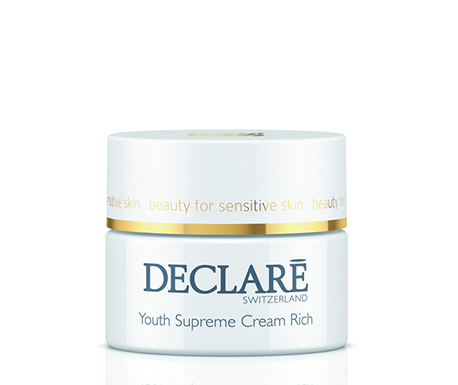 DECLARE Крем питательный Совершенство молодости / Youth Supreme Cream Rich 50млКремы<br>Питательный крем Совершенство молодости создан для помощи Вашей коже надолго сохранить свежесть и молодость. Этот насыщенный крем содержит комбинацию высокоэффективных компонентов, которые защищают и стимулируют функции кожи на клеточном уровне, продлевая ее жизненные циклы, что позволяет выровнять тон и текстуру кожи и отсрочить проявление признаков старения.&amp;nbsp; Ценный экстракт магнолии борется с процессом разрушения коллагена и эластина в глубоких слоях кожи. Частицы натурального шелка, специально подобранные масла и компоненты для восстановления качества кожи разглаживают мимические морщины и деликатно питают Вашу кожу, делая ее поразительно нежной. Уникальный комплекс усиливает защитные функции кожи и снижает ее чувствительность.&amp;nbsp; Активные ингредиенты: Src-complex, масло ши, масло плодов макадамии, клеточный экстракт яблони садовой, экстракт семян льна, экстракт коры магнолии, антиоксидант аллантоин, эктоин для защиты клеточных мембран, гиалуроновая кислота, тонизирующее масло герани, экстракт шелка, протеины люпина, витамин Е.&amp;nbsp; Способ применения: наносить ежедневно утром и вечером на очищенную кожу лица и шеи.<br><br>Вид средства для лица: Питательный<br>Типы кожи: Сухая и обезвоженная<br>Назначение: Морщины