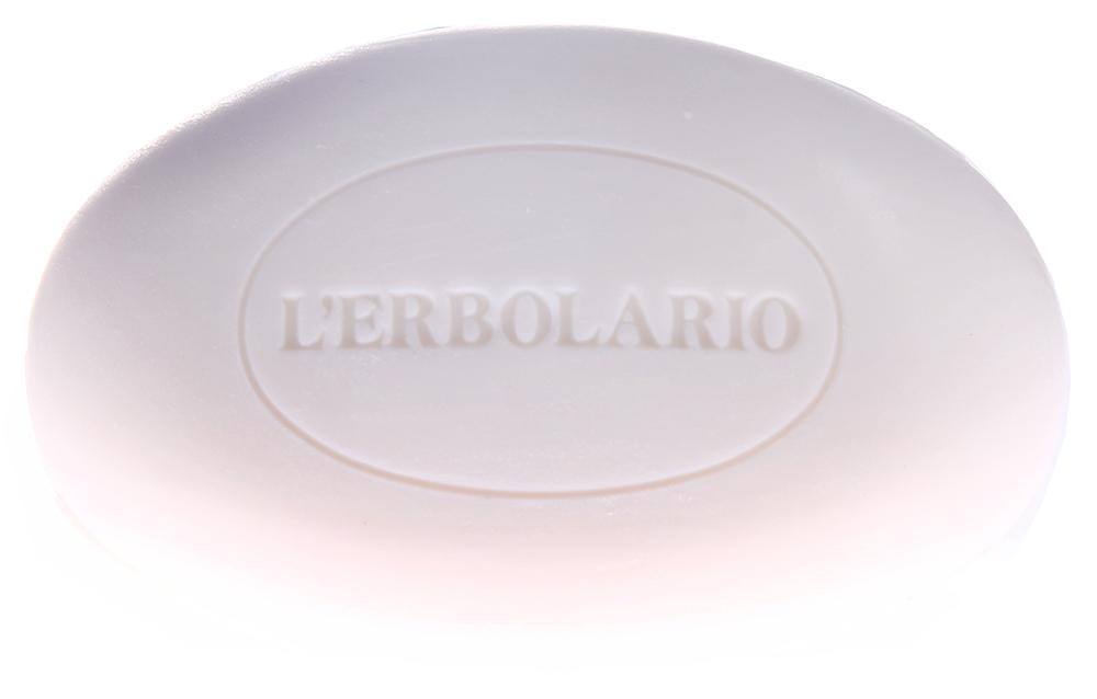 LERBOLARIO Мыло нещелочное Магнолия 100 грМыла<br>Это нещелочное мыло предназначено для мягкого очищения чувствительной кожи. Это мыло создает нежнейшую пену с легким ароматом. Подходит для тех, кто не переносит обычное мыло. Защищает кожу от негативного воздействия жесткой воды. Нещелочное мыло Магнолия рекомендуется применять для ежедневного мягкого очищения кожи рук и тела. Активные ингредиенты: экстракт сладкого миндаля, масло сладкого миндаля.<br>