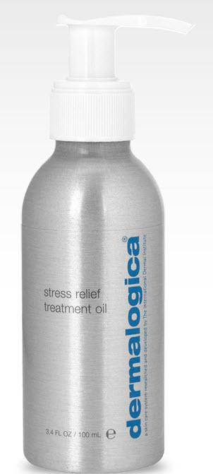 DERMALOGICA Масло успокаивающее антистрессовое / Stress Relief Treatment Oli SPA BODY THERAPY 100млМасла<br>Ароматерапевтическая смесь масел Лаванды, Сандалового дерева и Апельсина оказывает успокаивающее воздействие. Обогащённое органическими силиконами, это водорастворимое масло идеально подходит для массажа и расслабляющих ванн.<br>