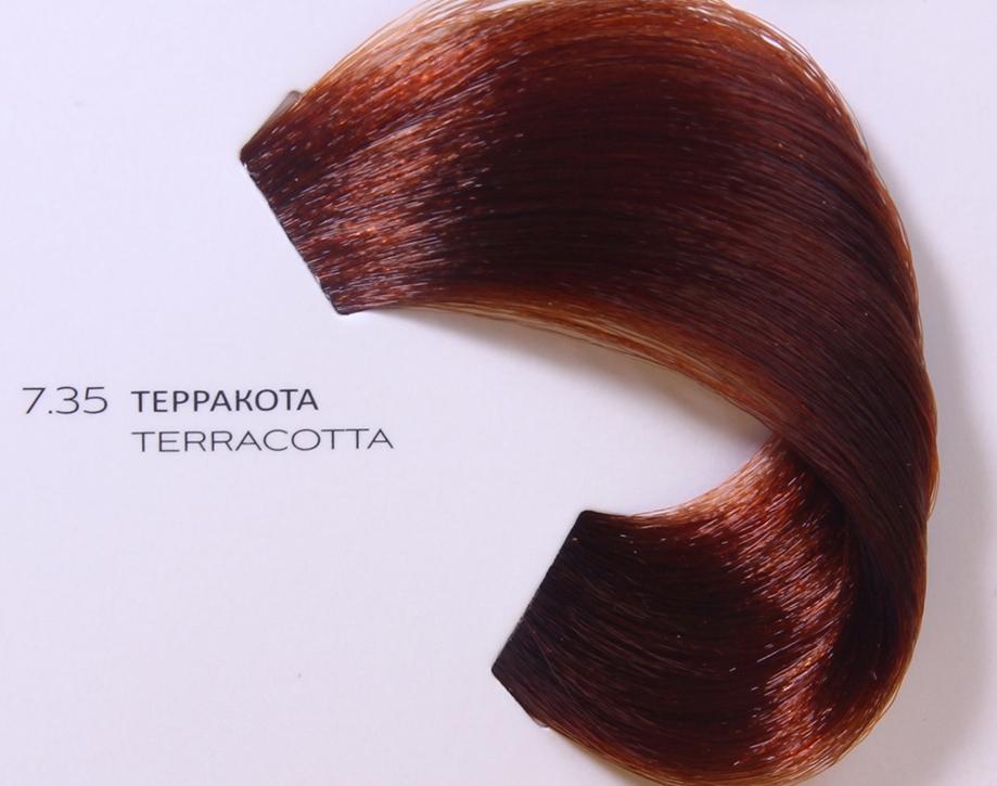 LOREAL PROFESSIONNEL 7.35 краска для волос / ДИАРИШЕСС 50млКраски<br>Краситель Dia Richesse тон в тон &amp;ndash; это щелочной краситель нового поколения без аммиака, который подходит для натуральных волос, позволяя закрасить до 70% первой седины и придать натуральным волосам желаемый оттенок. Формула красителя Dia Richesse содержит в себе технологию Ion&amp;eacute;ne G + Incell, которая позволяет укрепить структуру волоса, масло абрикосовых косточек, укрепляющее межклеточные связи, и олео-элементы, насыщающие волосы питательными элементами. Полимер Topсoat образует на поверхности волоса особую защитную плёнку, которая отражает свет и обеспечивает ослепительный блеск надолго. Краситель Dia Richesse имеет невероятный световой оттенок с красивым блеском и эффектом кондиционирования, что идеально подходит для окрашенных и чувствительных волос. Результат. Краситель Dia Richesse тон в тон   5.25 в результате окрашивания придает волосам более четкий, натуральный цвет. Линия Dia Richesse содержит глубокие, насыщенные оттенки, заметные даже на темной базе, что дарит оттенку мягкость и блеск. Не имеет эффекта отросших корней, возможно осветление до 1,5 тонов и затемнение до 4-х тонов. Активный состав: Технология Ion ne G + Incell, масло абрикосовых косточек, олео-элементы, полимер Topсoat. Применение: Краска для волос Dia Richesse используется совместно с проявителем DIA. Приготовление: налить 75 мл проявителя в аппликатор или пиалу и добавить 50 мл краски Dia Richesse (1 тюбик). Нанести полученную смесь на сухие невымытые волосы от корней до кончиков. Время выдержки краски составляет 20 минут, а для тонирования и мелированных прядей от 5 до 10 минут. После выдержки тщательно смыть краску и промыть волосы шампунем.<br><br>Цвет: Блонд<br>Вид средства для волос: Укрепляющая