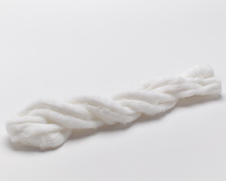 ЧИСТОВЬЕ Вата-жгут фасованная ВЖ-400Ватная продукция<br>Вата-жгут для химической завивки, хлопок, белый, 400 гр. Качественный расходный материал, необходимый для проведения парикмахерских процедур (химическая завивка). Защищает лицо от протекания химических средств, рекомендуется использовать вместе с полиэтиленовой косынкой.<br>