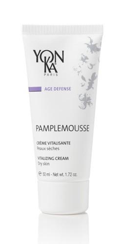YON KA Крем Pamplemousse PS / AGE DEFENSE 50млКремы<br>Уникальная цитрусовая формула, насыщенная сказочными ароматами, придаст Вашей коже неимоверно нежное сияние. Отлично защищает от пагубного влияния внешней среды. Для нормальной и сухой кожи. Активные ингредиенты: витамин С, экстракт грейпфрута, масло семян тыквы, эфирные масла лаванды, тимьяна, лимона, кипариса, апельсина, герани, розмарина. Способ применения: наносится на чистую кожу утром, также после использования лосьона Yon-Ka.<br>