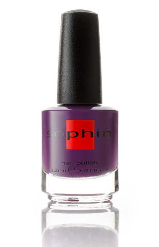SOPHIN Лак для ногтей, темно-фиолетовый 12млЛаки<br>Коллекция лаков SOPHIN очень разнообразна и соответствует современным веяньям моды. Огромное количество цветов и оттенков дает возможность создать законченный образ на любой вкус. Удобный колпачок не скользит в руках, что облегчает и позволяет контролировать процесс нанесения лака. Флакон очень эргономичен, лак легко стекает по стенкам сосуда во внутреннюю чашу, что позволяет расходовать его полностью. И что самое главное - форма флакона позволяет сохранять однородность лаков с блестками, глиттером, перламутром. Кисть средней жесткости из натурального волоса обеспечивает легкое, ровное и гладкое нанесение. Быстро высыхает&amp;nbsp; Превосходно наносится&amp;nbsp; Долго держится&amp;nbsp; Создаёт глубокое блестящее покрытие&amp;nbsp; Легко применяется и удаляется Big5free Активные ингредиенты. Состав: ethyl acetate, butyl acetate, nitrocellulose, acetyl tributyl citrate, isopropyl alcohol, adipic acid/neopentyl glycol/trimellitic anhydride copolymer, stearalkonium bentonite, n-butyl alcohol, styrene/acrylates copolymer, silica, benzophenone-1, trimethylpentanedyl dibenzoate, polyvinyl butyral.<br><br>Цвет: Фиолетовые