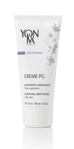 YON KA Крем Creme PG / AGE DEFENSE 50млКремы<br>Является не только идеальным препаратом для терапии жирной кожи, но и великолепной базой для нанесения макияжа. Нормализует работу сальных желез и сужает поры. Придает коже матовость и бархатистость. Предотвращает образование воспалительных элементов, действуя как антисептик. Возрастная категория: от 25 лет. Активные ингредиенты: экстракт лопуха, витамин А, экстракт плюща ползучего, эфирные масла кипариса, розмарина, лаванды, герани, тимьяна. Способ применения: наносить утром на кожу лица и шеи после ее очищения и распыления лосьона Yon-Ka.<br><br>Типы кожи: Жирная