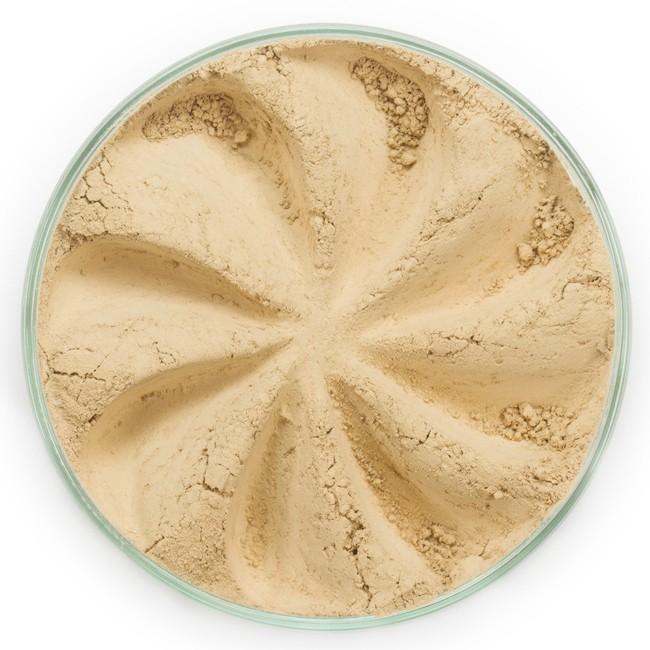 ERA MINERALS Основа тональная минеральная 344 / Mineral Foundation, Flawless 7 грТональные основы<br>Основа Flawless предназначена для нормальной и склонной к жирности кожи, обеспечивает умеренное покрытие с матирующим эффектом. Без отдушек и масел, для всех типов кожи&amp;nbsp; Водостойкое, долгосрочное покрытие&amp;nbsp; Широкий спектр фильтров UVB/UVA, протестированных при SPF 30+&amp;nbsp; Некомедогенно, не блокирует поры&amp;nbsp; Дерматологически протестировано, не аллергенно Антибактериальные ингредиенты, помогает успокоить раздраженную кожу&amp;nbsp; Состоит из неактивных минералов, не способствует развитию бактерий&amp;nbsp; Не тестировано на животных&amp;nbsp; Минеральная тональная основа Era Minerals заменит любой тональный крем, поскольку создает безупречное покрытие, обеспечивая естественный вид; разглаживает и выравнивает тон кожи, аккуратно скрывая ее недостатки, а при нанесении в несколько слоев остается невесомой и стойкой. Она состоит из природных минеральных пигментов, обеспечивая поддержание здоровья кожи, защищает от солнечного воздействия, предотвращая появление солнечных ожогов и раннее старение кожи. Выберите подходящую для вас формулу минеральной основы   разработанную индивидуально для каждого типа кожи. Эти формулы различаются по интенсивности покрытия и завершению макияжа. Активные ингредиенты: слюда (CI 77019), оксид цинка (CI 77947), диоксид титана (CI 77891), лаурил лизин. Может содержать (+/-): оксиды железа (CI 77489, CI 77491, CI 77492, CI 77499). При производстве этого отттенка не использовались продукты животного происхождения.&amp;nbsp; В состав нашей минеральной косметики НЕ ВХОДЯТ: хлорокись висмута, тальк, силиконы, парабены, ГМО, нефтехимические вещества, фталаты, сульфаты, ароматизаторы, синтетические красители или наночастицы. Способ применения: Перед нанесением минеральной косметики кожа должна быть чистой и хорошо увлажненной, но сухой на ощупь.&amp;nbsp; Опционально можно использовать&amp;nbsp;Базу под макияж, чтобы подг