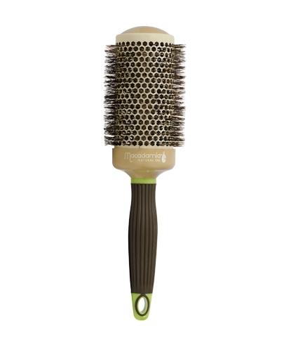 MACADAMIA Natural Oil Брашинг 53мм / Hot Curling BrushБрашинги<br>Брашинг для волос с натуральной щитиной 53 мм Hot Curling Brush - превосходный инструмент для создания самых разных причесок. Он позволит вам создать красивейшие аккуратные локоны или наоборот выпрямить волосы. Придает мягкость и сияние волосам. Этот брашинг имеет большой диаметр, поэтому он наиболее оптимален для создания причесок с длинными стрижками. Особенно хорошо его использовать для выпрямления волнистых или пушистых волос. Натуральная щетина брашинга имеет оптимальную жесткость и бережно расчесывает волосы, не травмируя при этом кожу головы. Облегчает сушку и укладку. Что немаловажно в создании прически, брашинг обладает антистатическим воздействием. Для удобства использования ручка брашинга имеет специальное, нескользящее покрытие Soft touсh. Брашинг совершенно не агрессивен по отношению к волосам и коже головы. Результат: при регулярном использовании брашинга от Макадамия волосы становятся более здоровыми, гладкими и послушными. Активные ингредиенты: керамическое покрытие, натуральная щетина. Способ применения: используйте совместно с феном для создания укладки.<br>