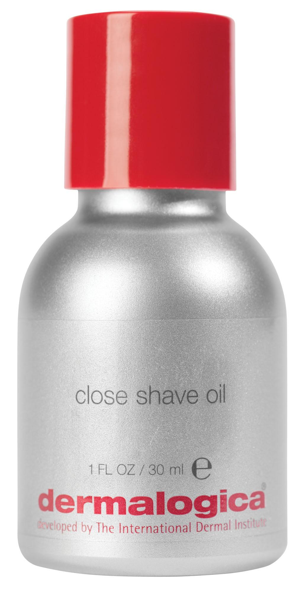 DERMALOGICA Масло для бритья / Close Shave Oil MENS SHAVE 30млДля бритья<br>Масло для бритья Close Shave Oil от инновационного косметического бренда Dermalogica обеспечивает идеальное скольжение бритвы, а, следовательно, гладкое и безопасное бритье. Благодаря витаминизированной прозрачной формуле, средство бережно питает кожу, успокаивает, устраняет дискомфортные ощущения, обладает антимикробным и антибактериальным действием. Натуральные масла, вошедшие в состав, оказывают тонизирующее, укрепляющее действие и укрепляют защитный липидный слой кожи, часто повреждаемый во время бритья.  Активные ингредиенты: Силиконы, камфара, масло листьев чайного дерева, масло каепутового дерева, масло соевых бобов.  Способ применения: Нанесите небольшое количество средства на влажную ладонь и равномерно распределите по влажной коже в области бритья. Бреясь, старайтесь часто споласкивать бритву. После бритья умойтесь теплой водой.<br><br>Пол: Мужской