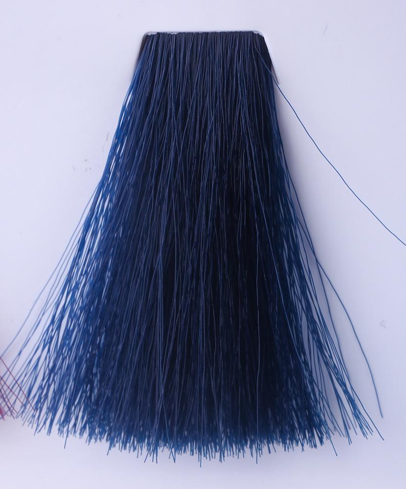 HAIR COMPANY Микстон синий / HAIR LIGHT CREMA COLORANTE 100млКраски<br>Hair Light Crema Colorante   профессиональный перманентный краситель для волос, содержащий в своем составе натуральные ингредиенты и в особенности эксклюзивный мультивитаминный восстанавливающий комплекс. Минимальное количество аммиака позволяет максимально бережно относится к структуре волоса во время окрашивания. Содержит в себе растительные экстракты вытяжку из арахиса, лецитин, витамин А и Е, а так же витамин С который является природным консервантом цвета. Применение исключительно активных ингредиентов и пигментов высокого качества гарантируют получение однородного, насыщенного, интенсивного и искрящегося оттенка. Великолепно дает возможность на 100% закрасить даже стекловидную седину. Наличие 6-ти микстонов, а так же нейтрального бесцветного микстона, позволяет достигать получения цветов и оттенков. Способ применения: смешать Hair Light Crema Colorante с Hair Light Emulsione Ossidante в пропорции 1:1,5. Время воздействия 30-45 мин.<br><br>Цвет: Корректоры и другие<br>Вид средства для волос: Восстанавливающий<br>Класс косметики: Профессиональная