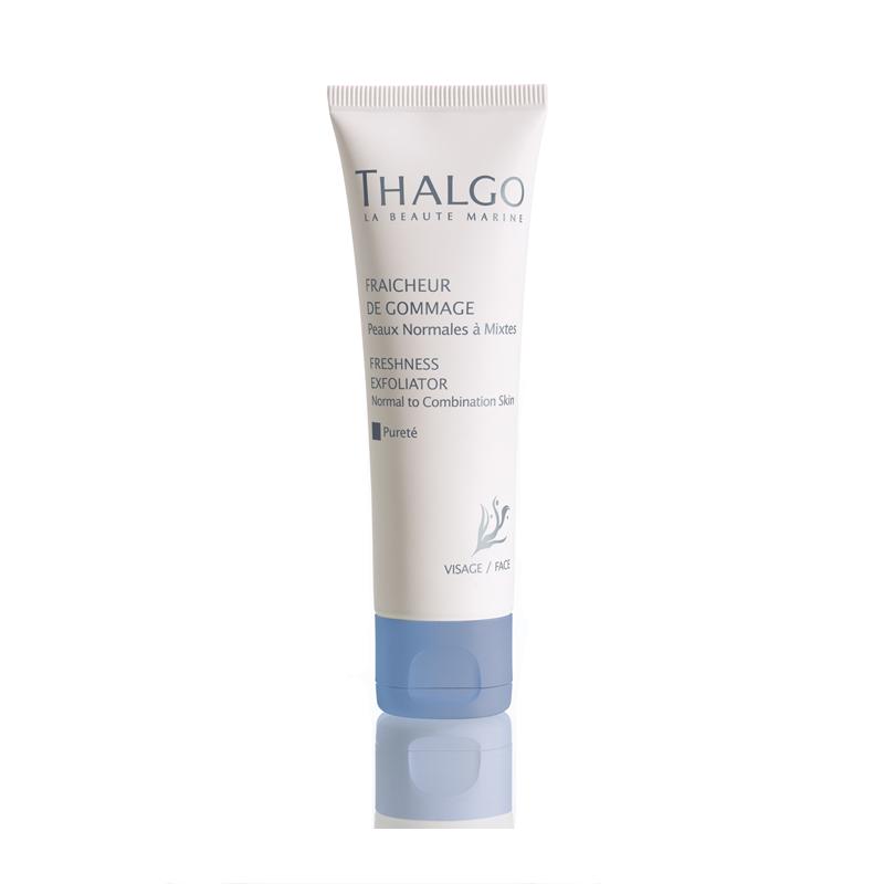 THALGO Скраб освежающий Чистота для нормальной и комбинированной кожи 50млСкрабы<br>Освежающий скраб предназначен для глубокого очищения нормальной и комбинированной кожи лица. Мельчайшие частицы скраба удаляют загрязнения и отмершие клетки, стимулируя кровообращение. Кожа становится более ровной и гладкой.  Активные ингредиенты: Вода, глицерин, растительное масло, белый пчелиный воск (Cera Alba), ментол , экстракт водоросли Gelidium Sesquipedale, лимонная кислота, экстракт грейпфрута (Citrus Grandis). Не содержит парабенов, минеральных масел, пропиленгликоля, ГМО и побочных продуктов животного происхождения.  Способ применения: Нанести скраб на кожу и осторожно помассировать легкими массажными движениями в течение 2-3 минут, избегая области вокруг глаз. Смыть теплой водой. Использовать 1&amp;ndash;2 раза в неделю.<br>
