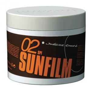 JULIETTE ARMAND Гель для загара быстрый эффект SPF2 / SPEED TAN 250млГели<br>Гель, способствующий быстрому тропическому стойкому загару. Содержащийся в геле экстракт каротина ускоряет образование ровного загара. А входящий в его состав витамин Е максимально увлажняет и защищает кожу. Активные ингредиенты: экстракт керотина,&amp;nbsp;витамин Е. Состав: Petrolatum, Paraffinum Liquidum, Caprylic/Capric Triglyceride, Stearalkonium Hestoride, Propylene Carbonate, C 30-45 Alkyl Methicone, Polyglyceryl-2-Sesquisostearate, C Ocos Nucifera, Silica Dimethyl Silylate, Coco-Caprylate/Caprate, Butyrospermum Parkii, Glycine Soja, Calendula Officinalis, Tocopherol Daucus Carota, Zea Mays, Junglans Regia, Cocos Nucifera, Parfum, Propylparaben, Bht. Способ применения: следует уделить особое внимание при применении на светочувствительной коже.<br><br>Объем: 250 мл