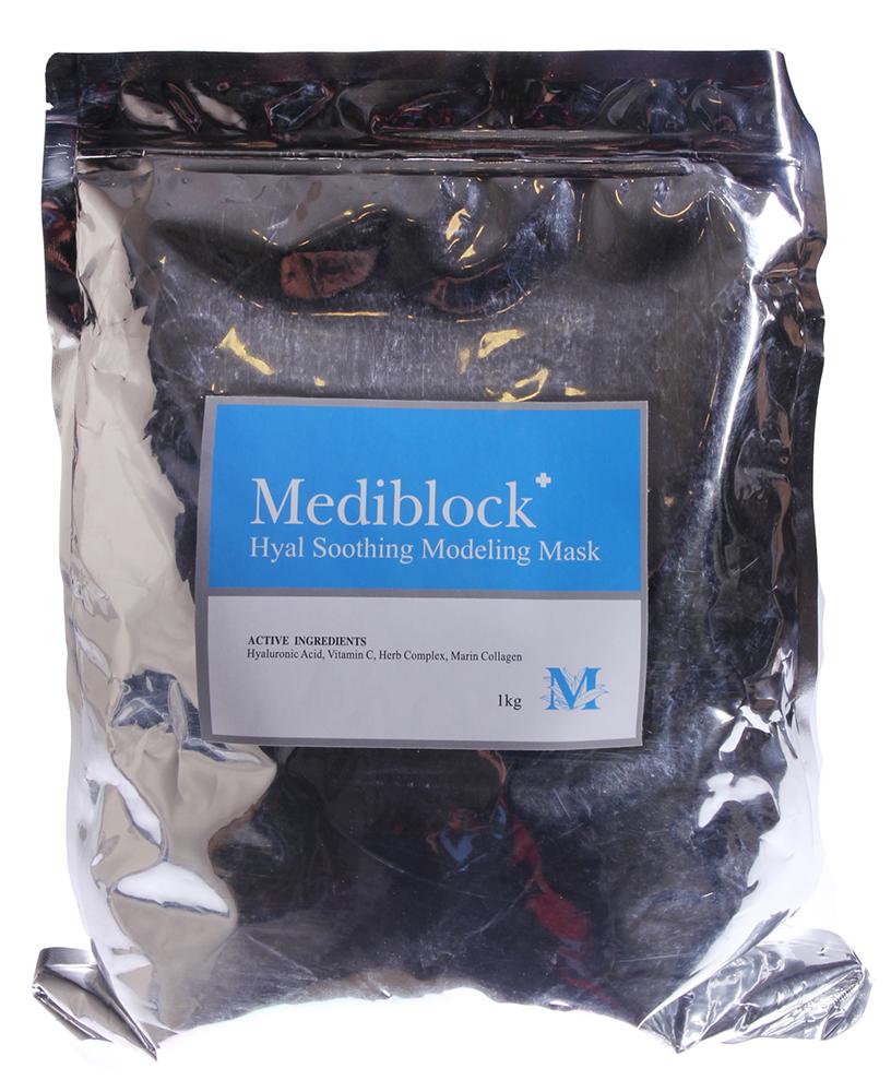 MEDIBLOСK Маска моделирующая для чувствительной кожи / Hyal Soothing Modeling Mask 1000грМаски<br>Моделирующая альгинатная маска для чувствительной кожи, склонной к куперозу. Прекрасно успокаивает раздражённую кожу за счёт растительного комплекса и морского коллагена, а так же увлажняет верхние слои эпидермиса, витамин С укрепляет сосудистую стенку и оказывает антиоксидантное воздействие. Активные ингредиенты: альгин, глюкоза, сульфат кальция, каолин, оксид магния, бетаин, гиалуронат натрия, витамин С, гидролизованный морской коллаген, экстракт ромашки. Способ применения: соединить 1,5 мерные ложки порошка с водой комнатной температуры, смешать до консистенции густой сметаны и нанести на лицо. Время экспозиции 15-20 минут. Застывшую маску аккуратно снять от периферии к центру и остатки смыть водой.<br><br>Типы кожи: Чувствительная<br>Назначение: Купероз