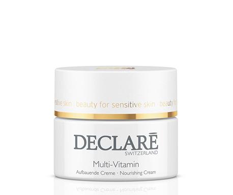 DECLARE Крем питательный с мультивитаминами / Nourishing Multi-Vitamin Cream 50млКремы<br>Питательный крем с мультивитаминами Nourishing Multi-Vitamin Cream Declare восстанавливает защитные функции кожи, регулирует баланс влажности, превосходно смягчая кожу. Витамины-антиоксиданты А и Е (в липосомах) в составе мультивитаминного крема Декларе стимулируют процесс обновления клеток, улучшают цвет лица и рельеф кожи, обеспечивая продолжительный омолаживающий и разглаживающий эффект.&amp;nbsp; Активные ингредиенты: липосомы с витаминами А и Е, ультрафиолетовые защитные фильтры, витамин С, экстракт земляного ореха.&amp;nbsp; Способ применения: после процедуры очищения нанести Питательный крем с мультивитаминами Декларе на лицо и шею, использовать утром и вечером.<br>