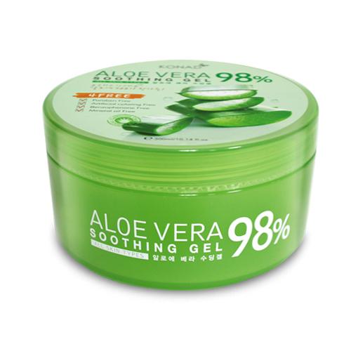 KONAD Гель Алоэ Вера успокаивающий / iloje Flobu 300млГели<br>Успокаивающий гель, содержащий 98% чистого алоэ, улучшает капиллярное кровообращение, глубоко увлажняет кожу, снимает отечность, защищает от УФ лучей. Особенность геля Алоэ Вера от Konad заключается в том, что в основе его состава - природный гель из листьев алоэ вера. Этот гель усиливает защитные функции кожи, а также восстанавливает ее поврежденные клетки. Гель не оставляет на коже липкого слоя, имеет приятный запах, что делает его использование более комфортным. Активные ингредиенты: экстракт розы, фресия, жасмина, лилии, нарцисса, лотоса. Кромет того, гель не содержит консервантов, минеральных масел и искусственных красителей.&amp;nbsp;Содержащийся в составе геля аллантоин обладает мощными ранозаживляющими и противовоспалительными свойствами, а также подавляет рост бактерий и усиливает регенерацию тканей. Способ применения: 1. Как увлажняющий крем или маску. В гель можно добавлять разные масла и накладывать на лицо. Напитывает кожу влагой, успокаивает, убирает раздражения и шелушения, разглаживает и придает необыкновенную мягкость. 2. Как увлажняющую базу для макияжа. 3. Как крем после бритья. Отлично успокаивает чувствительную кожу и интенсивно увлажняет. 4. Как восстанавливающую маску для волос. Просто нанесите гель на волосы и смойте через 10 минут. Вы получите увлажненные, мягкие и послушные локоны. 5. Как увлажняющую и успокаивающую маску для глаз. Нанесите гель на ватные диски, положите на глаза на несколько минут. 6. Как восстанавливающую эссенцию для рук и ногтей. Нанесите крем на руки и на область кутикулы - Вы получите нежную мягкую кожу и здоровые ногти. 7. Как гель для ухода за телом. Прекрасно увлажняет и защищает кожу, снимает раздражения, убирает шелушение, ощущения стянутости и дискомфорта кожи. Кожа становится гладкой и необыкновенно мягкой. 8. Помощь при солнечных ожогах. Нанесите гель на пораженную область на 15 минут.<br><br>Объем: 300 мл<br>Вид средства для тела: Увлажняющий<br>Ти