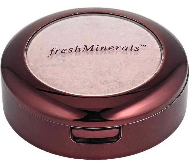 FRESH MINERALS Румяна компактные Crazed / Mineral Pressed Blush 5грРумяна<br>Компактные румяна freshMinerals изготовлены из экологически чистых и натуральных компонентов, позволяющих использовать ее даже обладательницам чувствительной кожи. Мягкая текстура, легкое нанесение и потрясающий результат   это румяна freshMinerals. Вы можете не только подобрать подходящий тон, но и смешать несколько тонов для достижения желаемого результата. Компактные румяна помогут создать неповторимый образ, как дневной рабочий, так и вечерний. Способ применения: совет визажиста: используйте холодные натуральные оттенки румян для коррекции формы лица, затемняя скулы.<br>