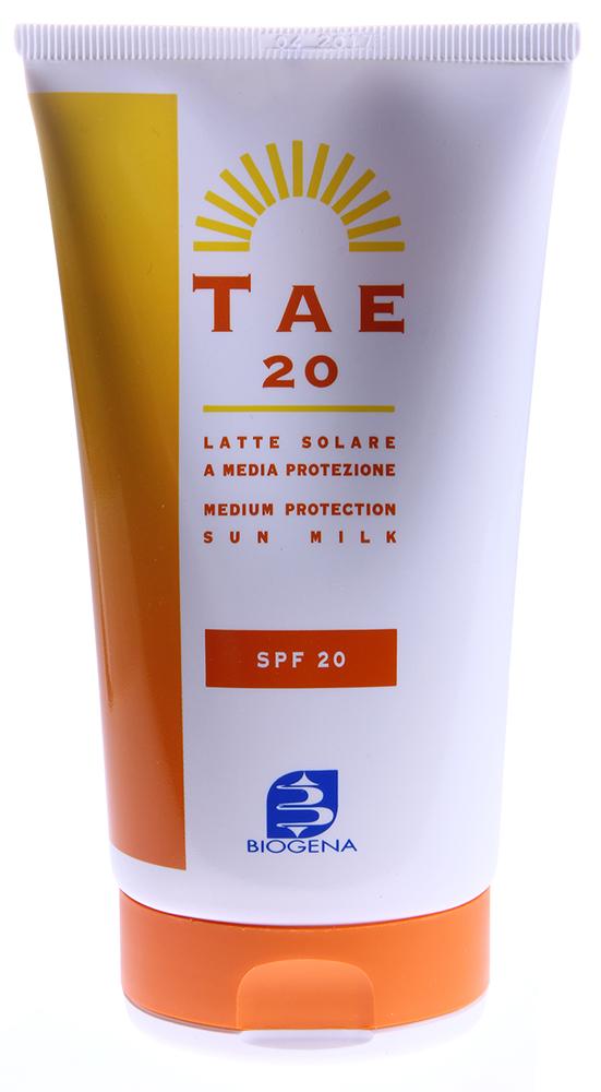 BIOGENA Молочко солнцезащитное для лица и тела SPF20 / BIOGENA TAE 150млМолочко<br>Гипоаллергенный препарат не теряет своей эффективности даже спустя несколько часов непрерывного пребывания на солнце. Натуральный Лютеин заметно улучшает защиту, блокируя синюю часть видимого спектра, которая также повреждает кожу. С его помощью косметические средства достигли ранее недосягаемых высот! Как и все средства TAE молочко с SPF20 водостойкое, не имеет негативных побочных эффектов. Может использоваться для защиты кожи самых маленьких детей. Без отдушек и эфирных масел. Способ применения: Наносить перед выходом на солнце.<br><br>Защита от солнца: None