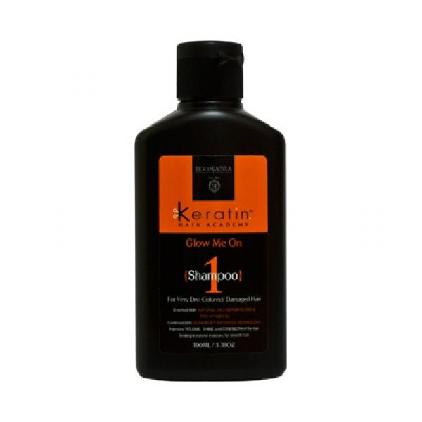 EGOMANIA Шампунь для очень сухих, окрашенных и поврежденных волос Во всем блеске 100млШампуни<br>Шампунь Во всем блеске! создан на основе инновационной технологии SERATIN-K и растительных сывороток. Шампунь содержит натуральные экстракты, которые позволяют восстанавливать и поддерживать красоту волос, питать их минералами Мертвого моря.  Масло жожоба оказывает успокаивающий эффект на кожу головы и придает волосам блеск и эластичность.  Масло арганы устраняет сухость волос и борется с секущимися кончиками.  Масло миндаля придает волосам питание.  Провитамин В5 увлажняет и восстанавливает естественный блеск волос.  Все ингредиенты настаиваются с водой Мертвого моря на протяжении 3-х дней.  Применение: Небольшое количество шампуня наносят на влажные волосы, вспенивают и смывают водой. Шампунь подойдет для ежедневного применения.<br><br>Назначение: Секущиеся кончики