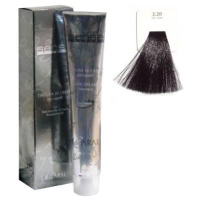KAARAL 2.20 краска для волос / Sense COLOURS 100млКраски<br>2.20 фиолетово-синий. Перманентные красители. Классический перманентный краситель бизнес класса. Обладает высокой покрывающей способностью. Содержит алоэ вера, оказывающее мощное увлажняющее действие, кокосовое масло для дополнительной защиты волос и кожи головы от агрессивного воздействия химических агентов красителя и провитамин В5 для поддержания внутренней структуры волоса. При соблюдении правильной технологии окрашивания гарантировано 100% окрашивание седых волос. Палитра включает 93 классических оттенка. Способ применения: Приготовление: смешивается с окислителем OXI Plus 6, 10, 20, 30 или 40 Vol в пропорции 1:1 (60 г красителя + 60 г окислителя). Суперосветляющие оттенки смешиваются с окислителями OXI Plus 40 Vol в пропорции 1:2. Для тонирования волос краситель используется с окислителем OXI Plus 6Vol в различных пропорциях в зависимости от желаемого результата. Нанесение: провести тест на чувствительность. Для предотвращения окрашивания кожи при работе с темными оттенками перед нанесением красителя обработать краевую линию роста волос защитным кремом Вaco. ПЕРВИЧНОЕ ОКРАШИВАНИЕ Нанести краситель сначала по длине волос и на кончики, отступив 1-2 см от прикорневой части волос, затем нанести состав на прикорневую часть. ВТОРИЧНОЕ ОКРАШИВАНИЕ Нанести состав сначала на прикорневую часть волос. Затем для обновления цвета ранее окрашенных волос нанести безаммиачный краситель Easy Soft. Время выдержки: 35 минут. Корректоры Sense. Используются для коррекции цвета, усиления яркости оттенков, создания новых цветовых нюансов, а также для нейтрализации нежелательных оттенков по законам хроматического круга. Содержат аммиак и могут использоваться самостоятельно. Оттенки: T-AG - серебристо-серый, T-M - фиолетовый, T-B - синий, T-RO - красный, T-D - золотистый, 0.00 - нейтральный. Способ применения: для усиления или коррекции цвета волос от 2 до 6 уровней цвета корректоры добавляются в краситель по Правилу пятнадца