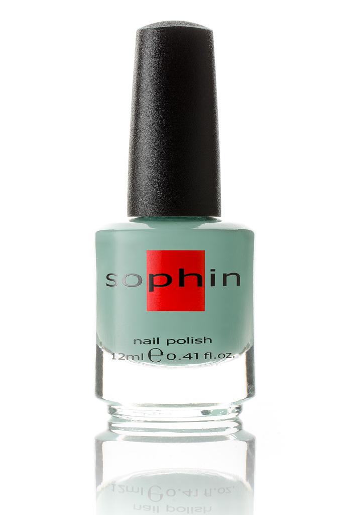 SOPHIN Лак для ногтей, пыльно-бирюзовый 12млЛаки<br>Коллекция лаков SOPHIN очень разнообразна и соответствует современным веяньям моды. Огромное количество цветов и оттенков дает возможность создать законченный образ на любой вкус. Удобный колпачок не скользит в руках, что облегчает и позволяет контролировать процесс нанесения лака. Флакон очень эргономичен, лак легко стекает по стенкам сосуда во внутреннюю чашу, что позволяет расходовать его полностью. И что самое главное - форма флакона позволяет сохранять однородность лаков с блестками, глиттером, перламутром. Кисть средней жесткости из натурального волоса обеспечивает легкое, ровное и гладкое нанесение. Пыльно-бирюзовый лак кремовой текстуры Идеален при нанесении в два слоя&amp;nbsp; Отличный глянцевый финиш Big5free Активные ингредиенты. Состав: ethyl acetate, butyl acetate, nitrocellulose, acetyl tributyl citrate, isopropyl alcohol, adipic acid/neopentyl glycol/trimellitic anhydride copolymer, stearalkonium bentonite, n-butyl alcohol, styrene/acrylates copolymer, silica, benzophenone-1, trimethylpentanedyl dibenzoate, polyvinyl butyral.<br><br>Цвет: Зеленые<br>Виды лака: Глянцевые