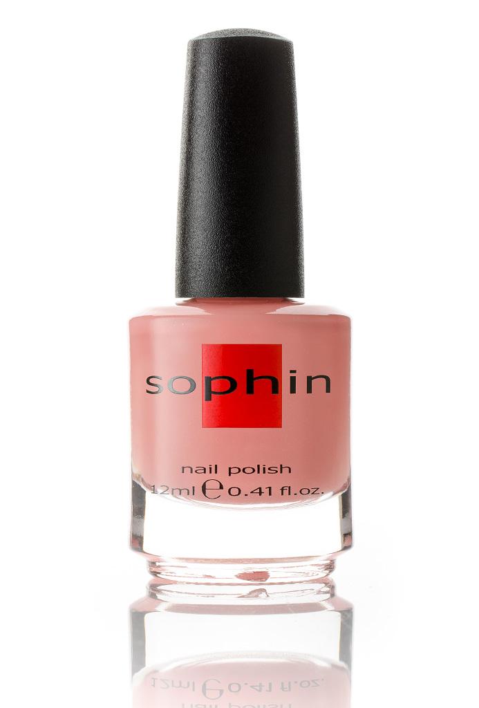 SOPHIN Лак для ногтей, персиково-розовый с разноцветным шиммером 12млЛаки<br>Коллекция лаков SOPHIN очень разнообразна и соответствует современным веяньям моды. Огромное количество цветов и оттенков дает возможность создать законченный образ на любой вкус. Удобный колпачок не скользит в руках, что облегчает и позволяет контролировать процесс нанесения лака. Флакон очень эргономичен, лак легко стекает по стенкам сосуда во внутреннюю чашу, что позволяет расходовать его полностью. И что самое главное - форма флакона позволяет сохранять однородность лаков с блестками, глиттером, перламутром. Кисть средней жесткости из натурального волоса обеспечивает легкое, ровное и гладкое нанесение. Персиково-розовый лак желейной текстуры с добавлением разноцветного микрошиммера&amp;nbsp; Для плотного покрытия потребуется два-три слоя Глянцевый финиш Big5free Активные ингредиенты. Состав: ethyl acetate, butyl acetate, nitrocellulose, acetyl tributyl citrate, isopropyl alcohol, adipic acid/neopentyl glycol/trimellitic anhydride copolymer, stearalkonium bentonite, n-butyl alcohol, styrene/acrylates copolymer, silica, benzophenone-1, trimethylpentanedyl dibenzoate, polyvinyl butyral.<br><br>Цвет: Розовые<br>Виды лака: Глянцевые