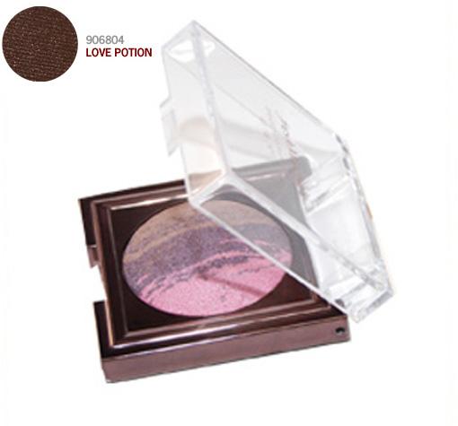 FRESH MINERALS Тени запеченые для век Love Potion / Baked Eyeshadow 2,5грТени<br>Запеченные тени Baked Eyeshadow от торговой марки freshMinerals изготовлены на основе минералов и натуральных компонентов. Разнообразная цветовая палитра позволяет выбрать вариант, которые наилучшим образом подчеркнут стиль и красоту женских глаз. Способ применения: Запеченные тени можно наносить либо аппликатором для теней, либо добавляя немного воды. Тени можно использовать обладательницам чувствительной кожи.<br>