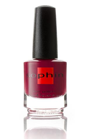 SOPHIN Лак для ногтей, малиново-вишневый 12млЛаки<br>Коллекция лаков SOPHIN очень разнообразна и соответствует современным веяньям моды. Огромное количество цветов и оттенков дает возможность создать законченный образ на любой вкус. Удобный колпачок не скользит в руках, что облегчает и позволяет контролировать процесс нанесения лака. Флакон очень эргономичен, лак легко стекает по стенкам сосуда во внутреннюю чашу, что позволяет расходовать его полностью. И что самое главное - форма флакона позволяет сохранять однородность лаков с блестками, глиттером, перламутром. Кисть средней жесткости из натурального волоса обеспечивает легкое, ровное и гладкое нанесение. Big5free! Активные ингредиенты. Состав: ethyl acetate, butyl acetate, nitrocellulose, acetyl tributyl citrate, isopropyl alcohol, adipic acid/neopentyl glycol/trimellitic anhydride copolymer, stearalkonium bentonite, n-butyl alcohol, styrene/acrylates copolymer, silica, benzophenone-1, trimethylpentanedyl dibenzoate, polyvinyl butyral.<br><br>Цвет: Красные