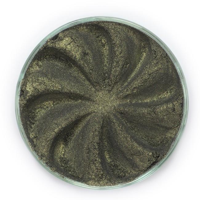 ERA MINERALS Тени минеральные F37 / Mineral Eyeshadow, Frost 1 грТени<br>Тени для век Frost в своем покрытии и исполнении варьируются от мерцающих и морозных до ослепляющих словно блеск снежного кристалла. Яркие, уникальные и многоуровневые оттенки этой формулы с неотразимым эффектом прерывистого света подчеркнут красоту любых глаз. Сильные и яркие минеральные пигменты&amp;nbsp; Можно наносить как влажным, так и сухим способом&amp;nbsp; Без отдушек и содержания масел, для всех типов кожи&amp;nbsp; Дерматологически протестировано, не аллергенно&amp;nbsp; Не тестировано на животных&amp;nbsp; Активные ингредиенты: слюда, нитрид бора, миристат магния, диоксид кремния, алюмоборосиликат. Может содержать: стеарат магния, кармин, каолин, ультрамарин, зеленый оксид хрома, берлинская лазурь, оксиды железа, фиолетовый марганец, оксид титана, диоксид титана. Способ применения: Поместите небольшое количество минеральных теней в крышку от контейнера или на палитру для косметики.&amp;nbsp; Наберите средство, используя одну из наших кистей для бровей и ресниц.&amp;nbsp; Чтобы избежать осыпания, не набирайте на кисть слишком большое количество теней.&amp;nbsp; Нанесите тени четкими короткими штрихами, заполняя редкие зоны линии бровей.&amp;nbsp; Наносите тени в обратную от роста волос сторону, затем пригладьте по направлению роста волос.&amp;nbsp; Для получения четкой тонкой линии наносите влажной кистью, а для мягкого эффекта - сухой.&amp;nbsp; Если вы используете пробные образцы, будет удобный, если насыпать небольшое количество минеральных теней на палитру для косметики или небольшую тарелочку, чтобы было проще заполнить ворсинки кисти.<br><br>Объем: 1 гр